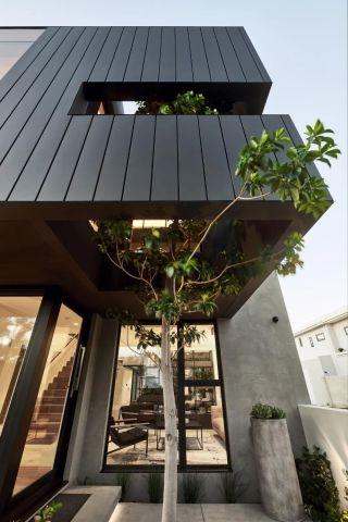 铜质双层玻璃墙壁