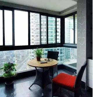 阳台这样装,客人一来都不愿坐客厅了,都说坐阳台好!