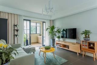 厦门108平的简约风二居室,花了25万装修,婚房做得好美